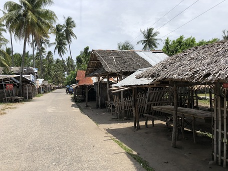 Der Menschenleere Markt in Malatapay