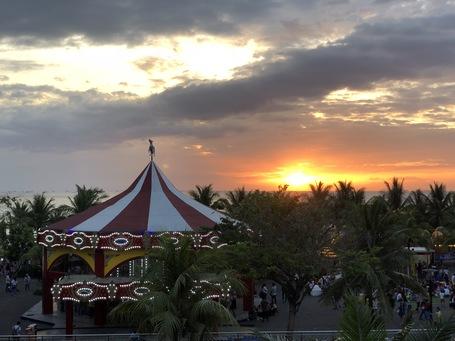 Unser letzter Sonnenuntergang auf den Philippinen. Wunderschön.
