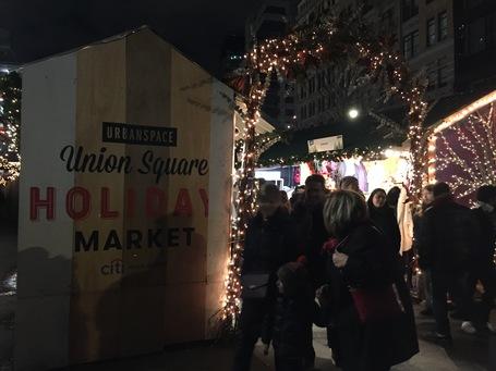 Der Eingang zum Union Square Weihnachtsmarkt