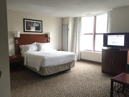 Das große kuschelige Bett im Residence Inn Hotel