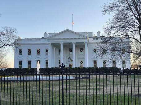 Das Weiße Haus bei Sonnenuntergang